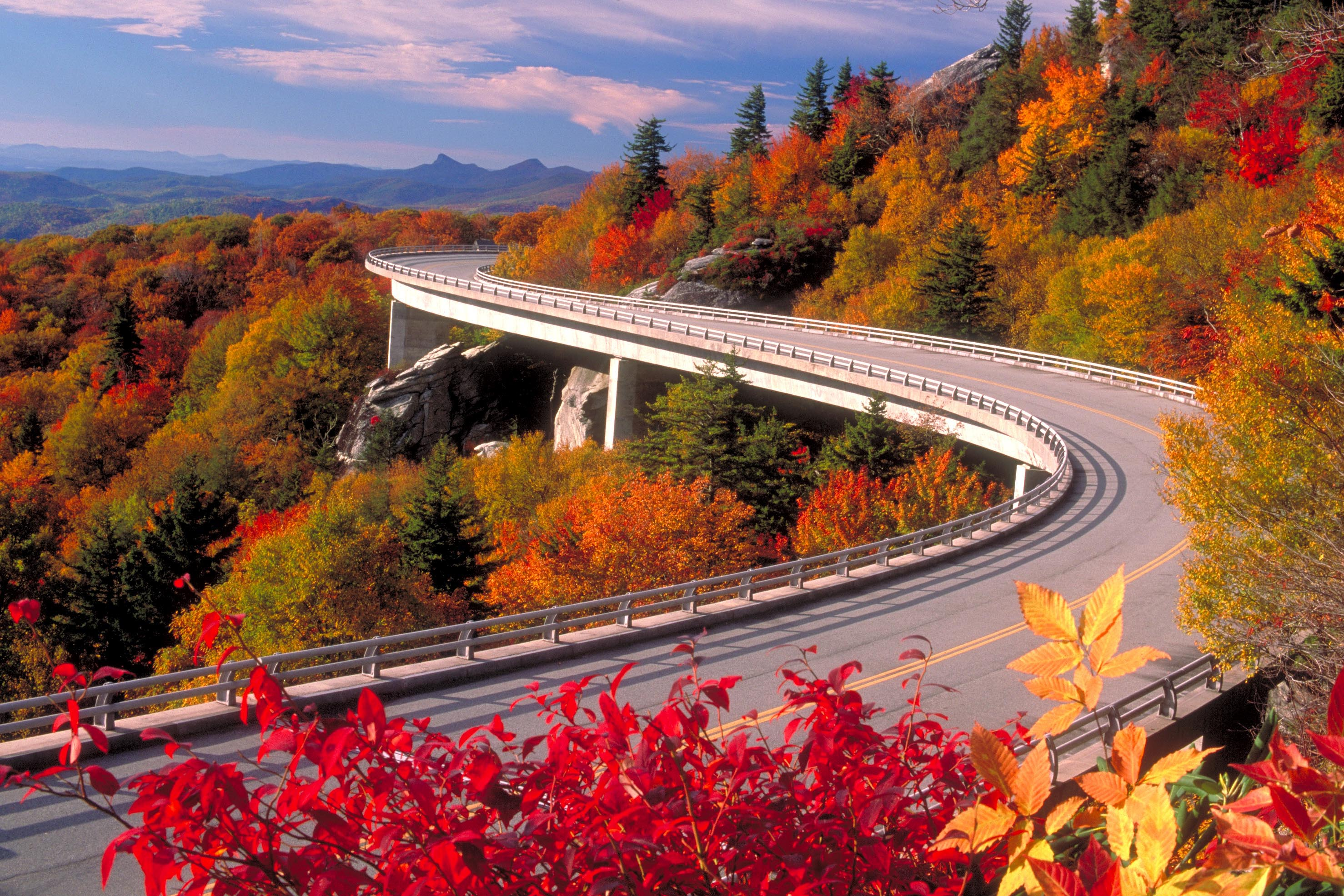 Fall Foliage Destinations – It's the leaf-peeping season